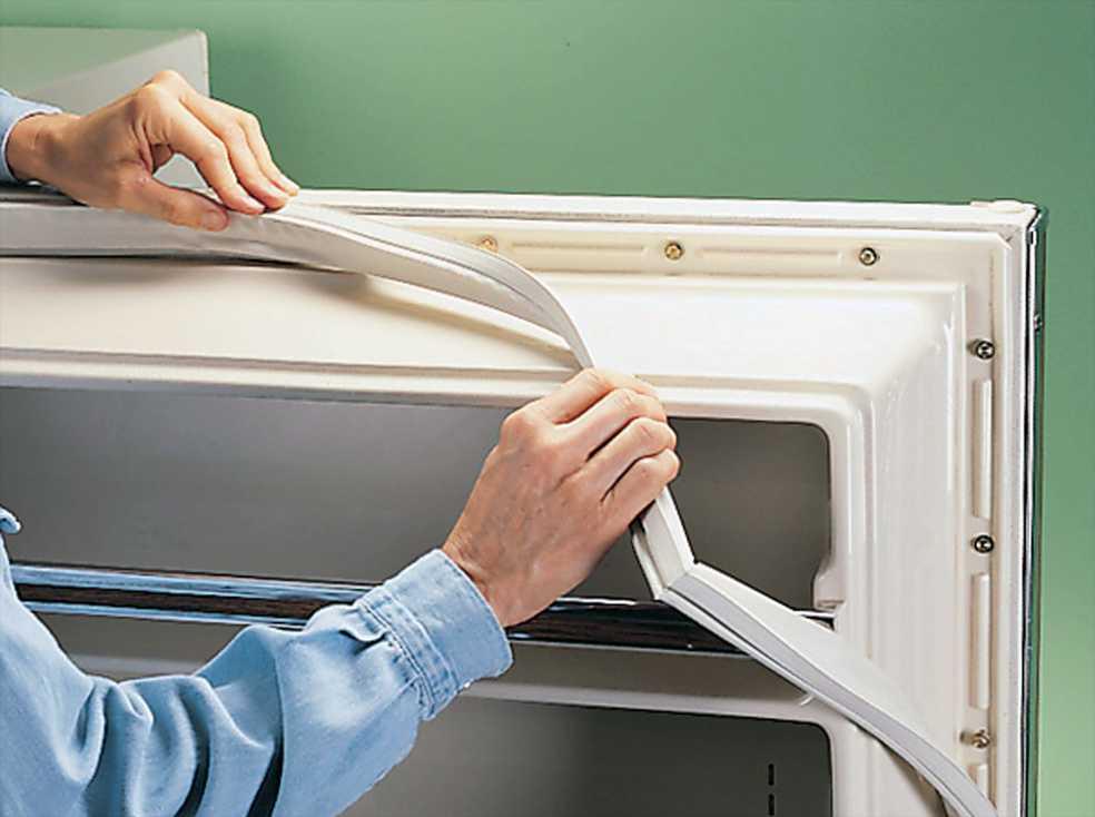 резинка в холодильнике