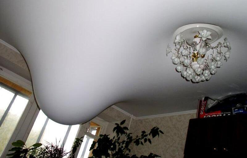 Влага под нятяжным потолком