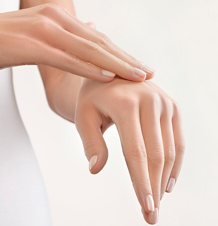 Уход на ногтями